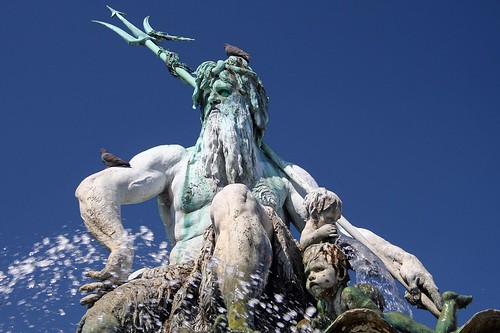 Neptunbrunnen | by Axel_