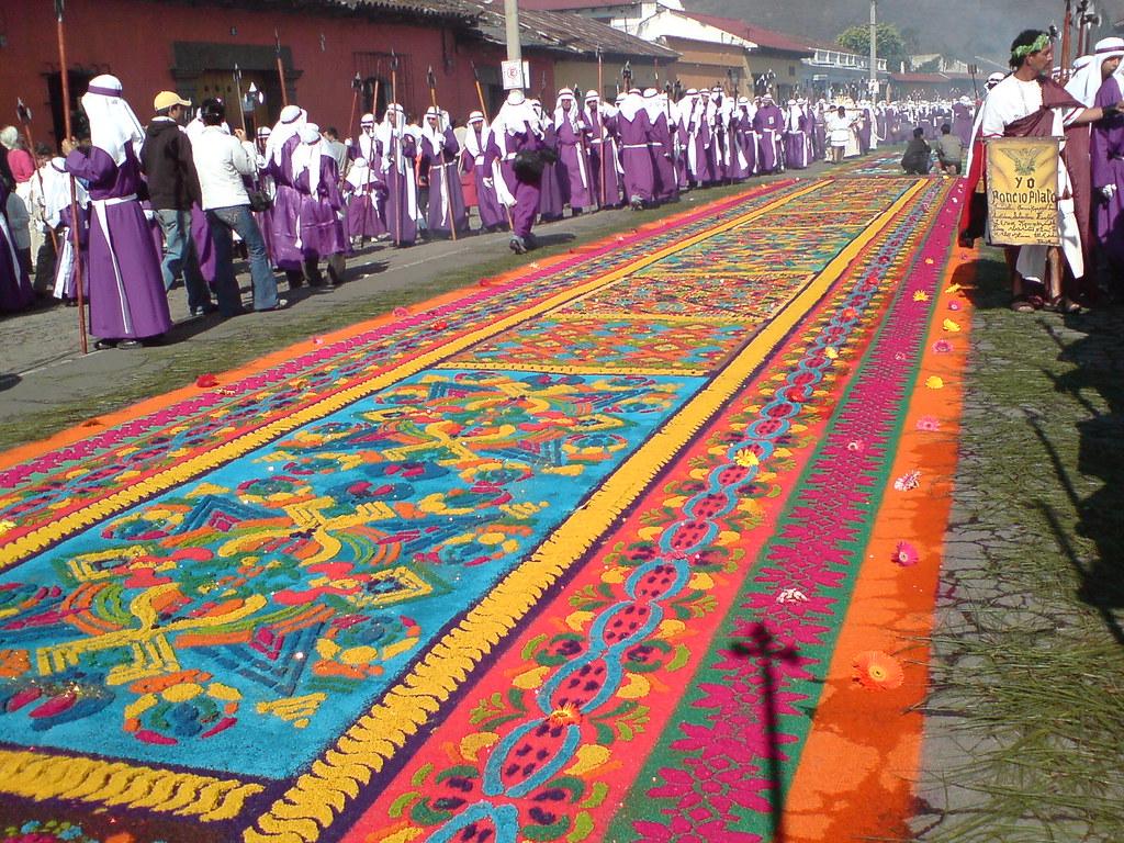Alfombra de aserr n calle ancha de los herreros antigua for Antigua alfombras