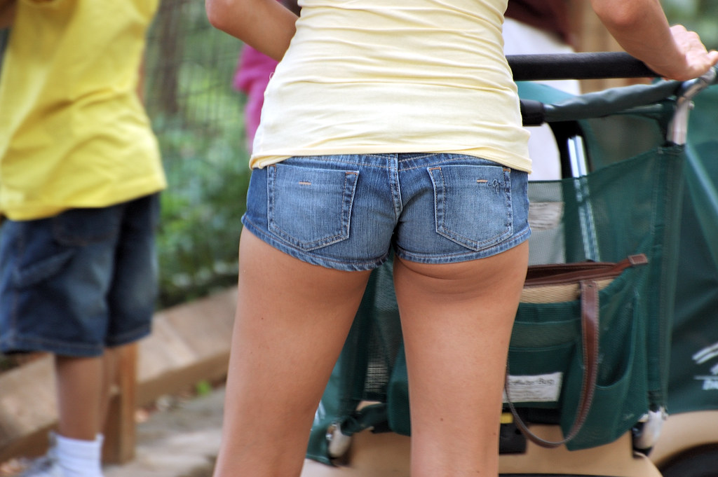 Teen in booty shorts galleries