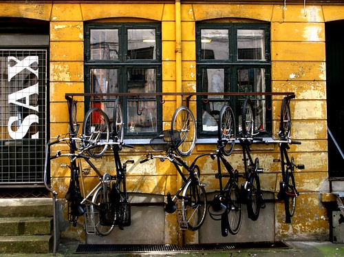 Bike Rack Space Management | by Mikael Colville-Andersen