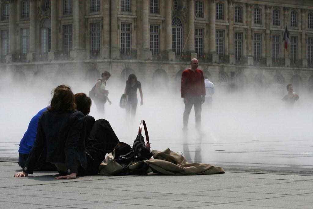 15h30 le 5 mai 2007 miroir d 39 eau place de la bourse for Miroir 3 pans