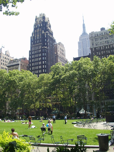 nyc_7-4-05 (2)_bryant_park | by minnibeach