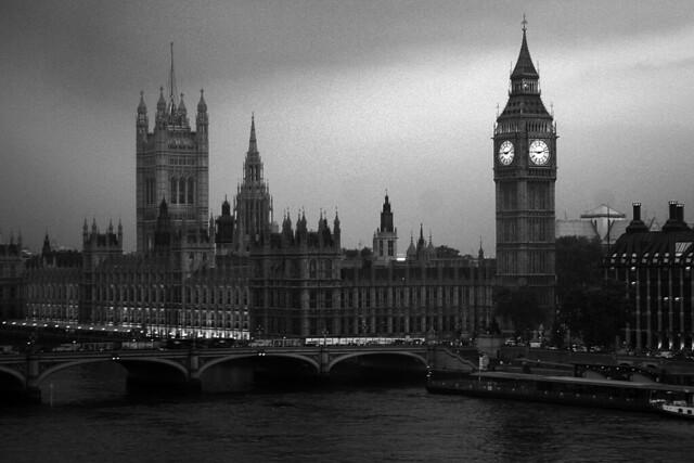 London Skyline (Black & White) | Blatantly copying my ...  London Skyline Black And White