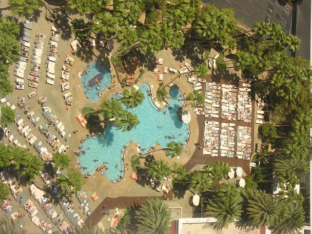 Ti Treasure Island Pool Las Vegas 8466 Is Jenn In This Pho Flickr