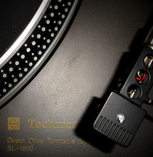 my technics died – I NEED A NEW TURNTABLE! | by rhodes