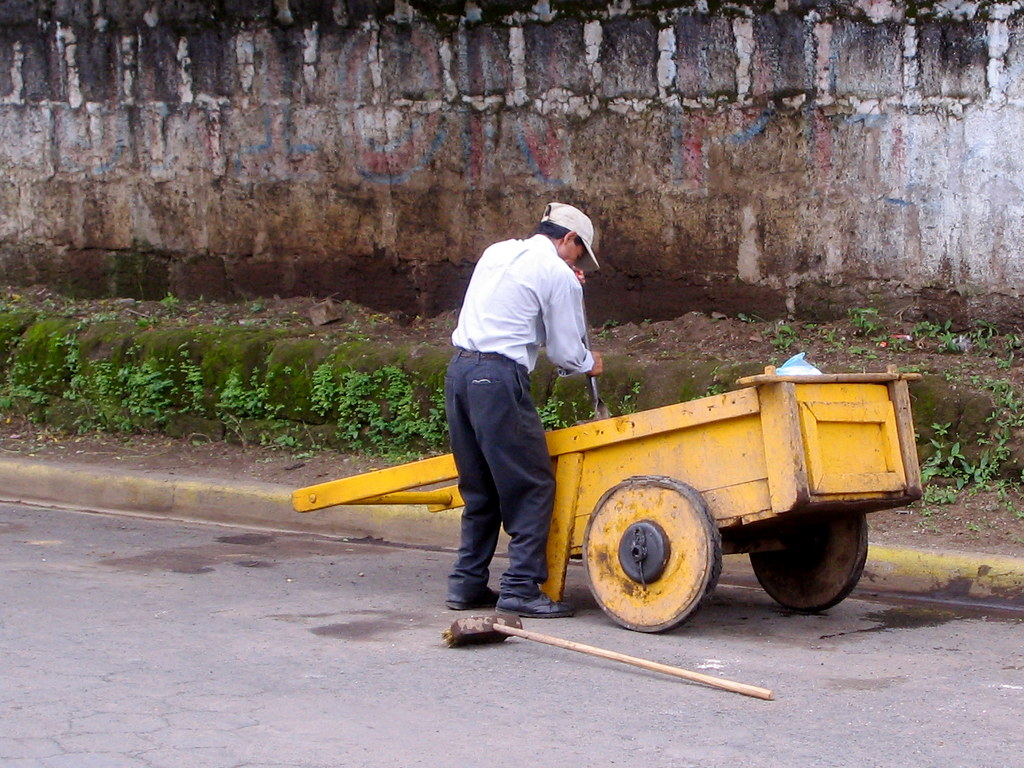 Garbage Pick Up : Garbage the pick up in diriamba is done by guys