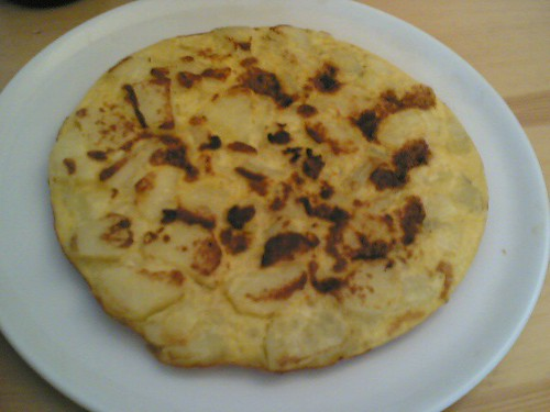 Spanish dinner at the neighbors': Tortilla de Patatas | by clotilde