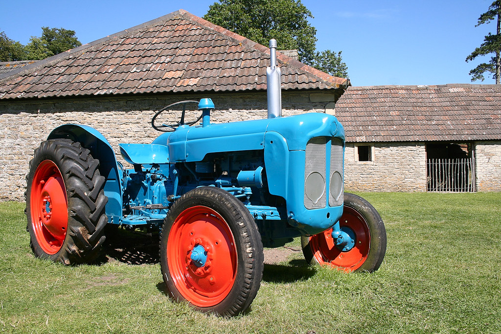 Blue Tractor Here S A Breath Of Fresh Air For Ex Tractor