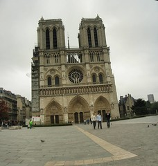Notre Dame 06-08-05 6h32-2 | by Panoramas