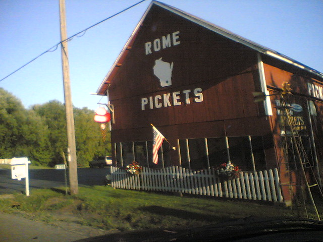 Rome Pickets | There is a store in Rome, Wisconsin named ...