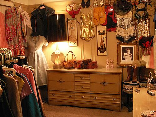 Vintage dressing room for Burlesque bedroom ideas