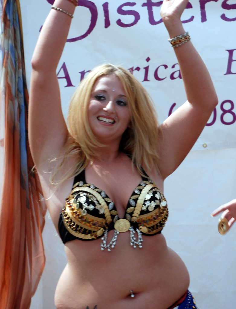 BBW belly dance