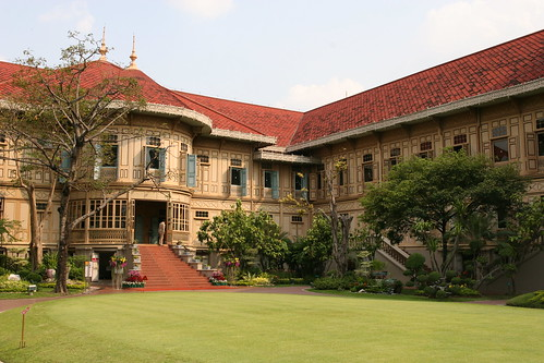 Vimanmek Teak Mansion | by zoonabar