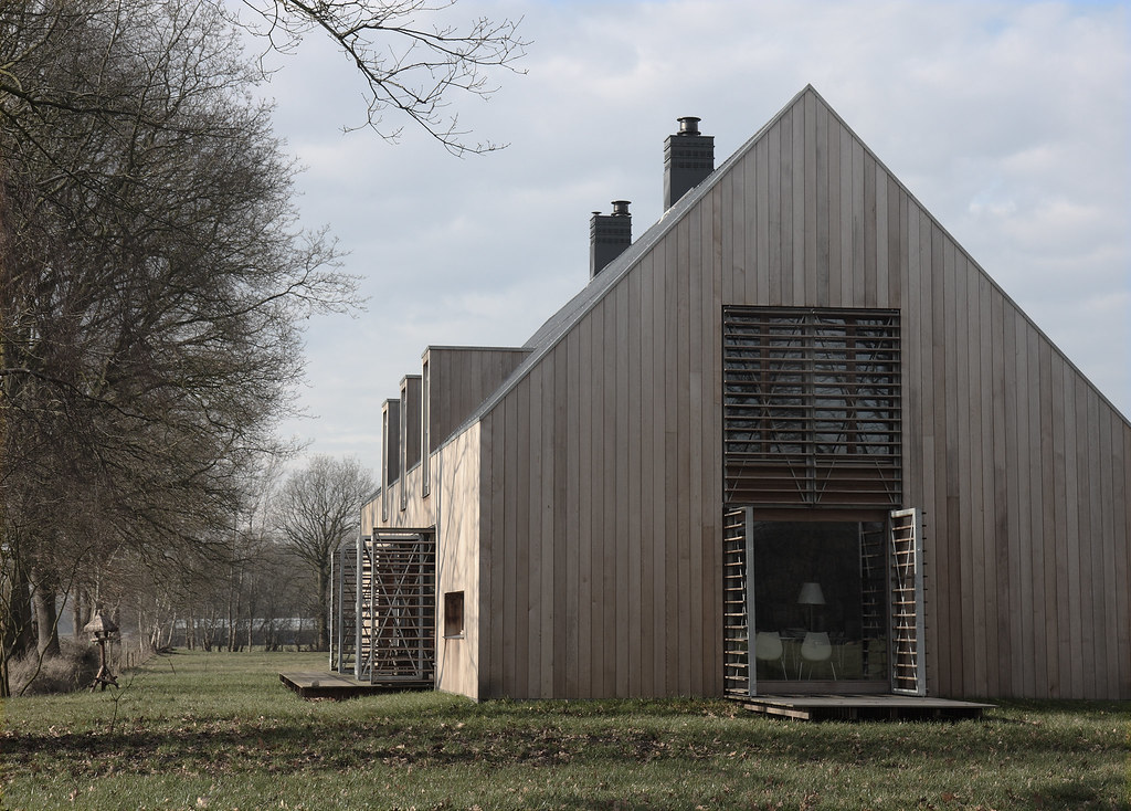 Same house another angle voor de liefhebbers opzij for Contemporary barn homes