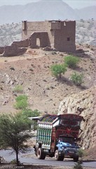 _9906ol1404-Pakistan Khyber Pass - smugglers fort | by Andrew Jansen (A life online)
