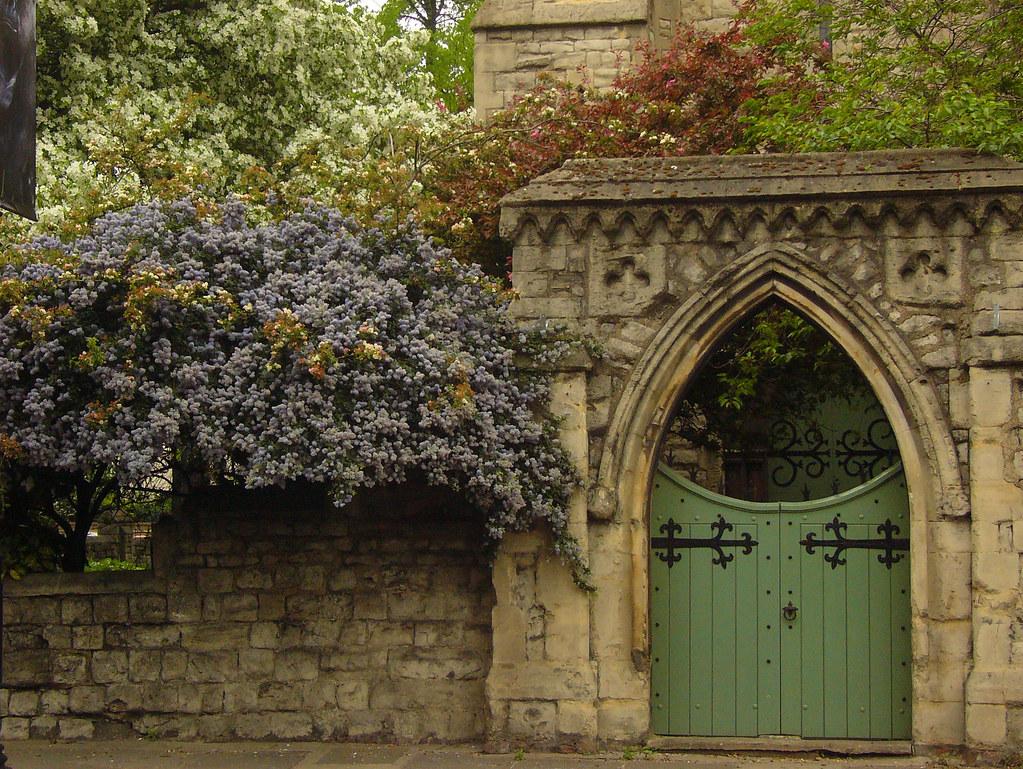 the secret garden a very beautiful church in London