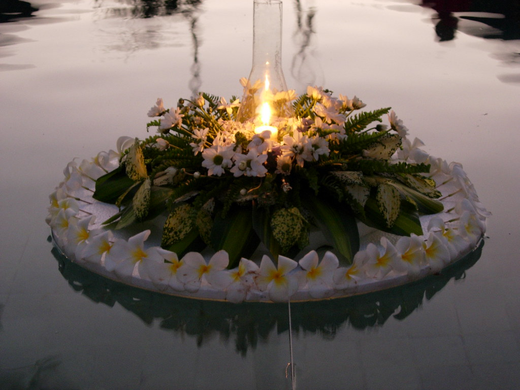 Floating Candles And Flowers In The Pool Pic By Michael G Joyce Flickr