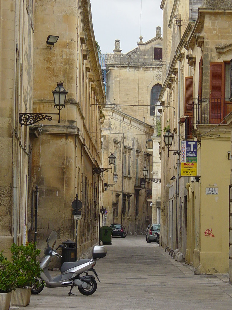 Arc Lecce Street The Old Part Of Lecce Has Narrow