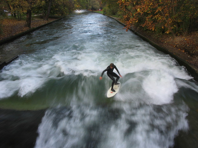 surfing the isar river