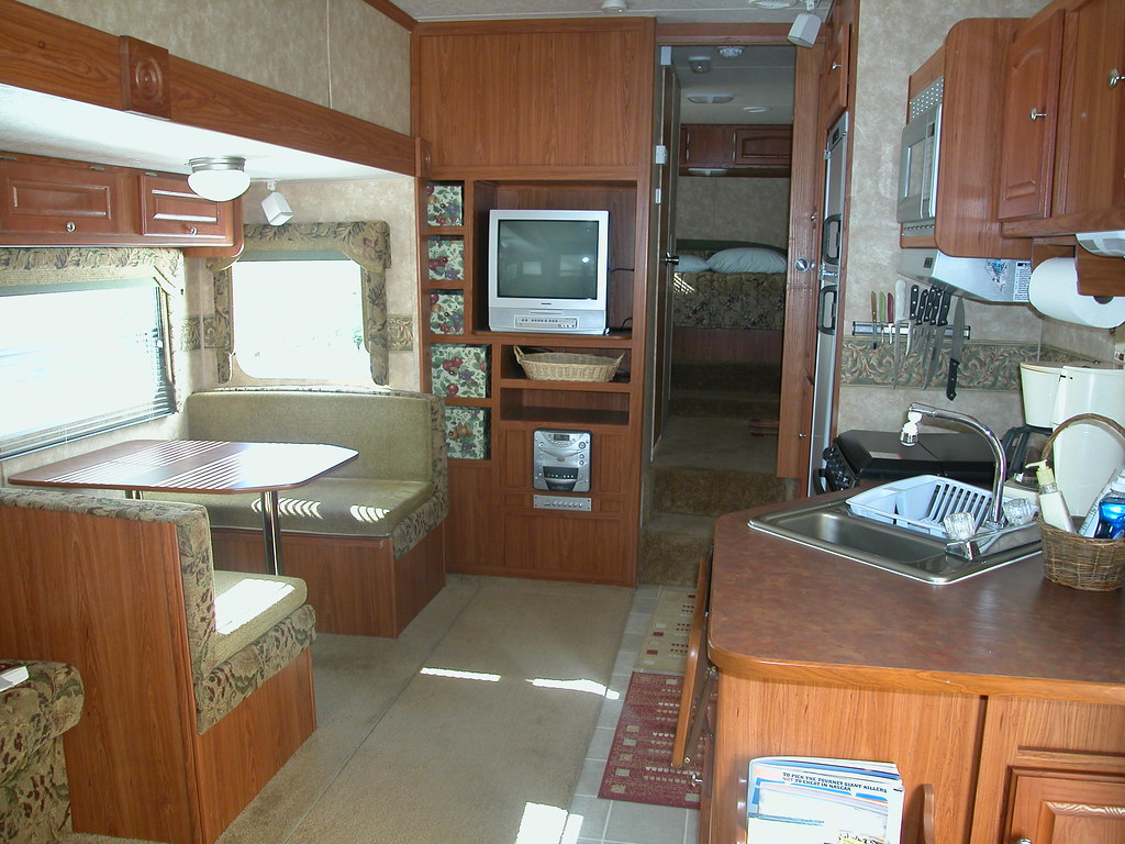 98 Sabre Lite Fifth Wheel Quality Inside And Out