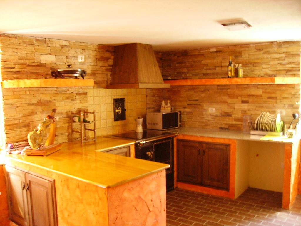 Cocina por fin la cocina tiene encimera y jamon 3 jotas for Disenador de cocinas online gratis