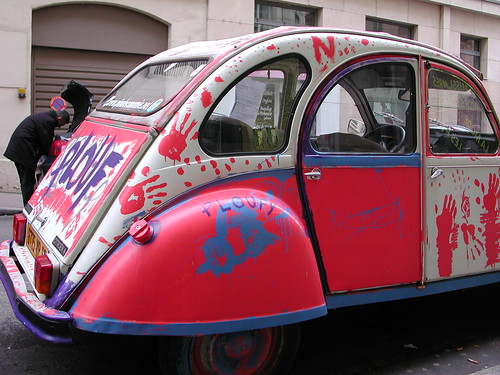 plouf the car painted 2cv lyon france lyon 2e rue d 39 flickr. Black Bedroom Furniture Sets. Home Design Ideas