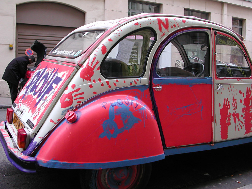 plouf the car painted 2cv lyon france lyon 2e rue d 39 flickr. Black Bedroom Furniture Sets. Home Design Ideas
