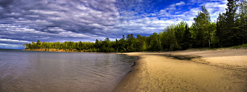 Barrier Beach HDR-Pano | by elventear