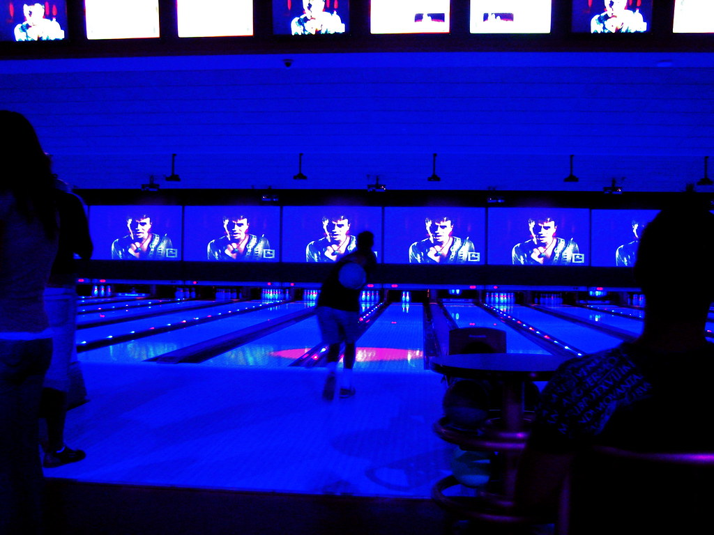 Cosmic bowling las vegas