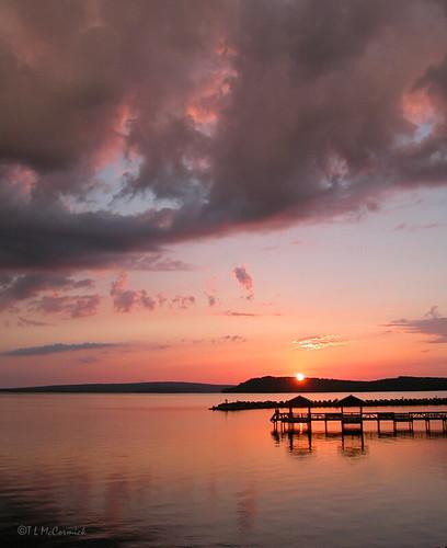 Lake dardanelle sunset sunset at lake dardanelle state for Lake dardanelle fishing report