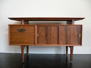 ... Eames Era Danish Rosewood Credenza   TV/Media Cabinet   $245 (petaluma)  |