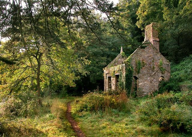 Abandoned house martin flickr for Acheter maison sud france