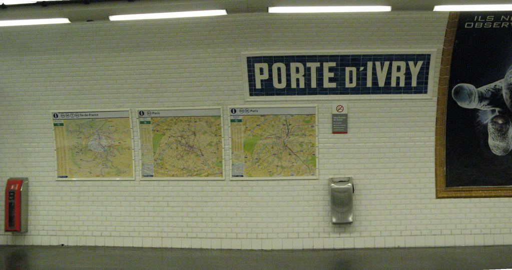 metro porte d ivry every station has the tryptic of maps i flickr