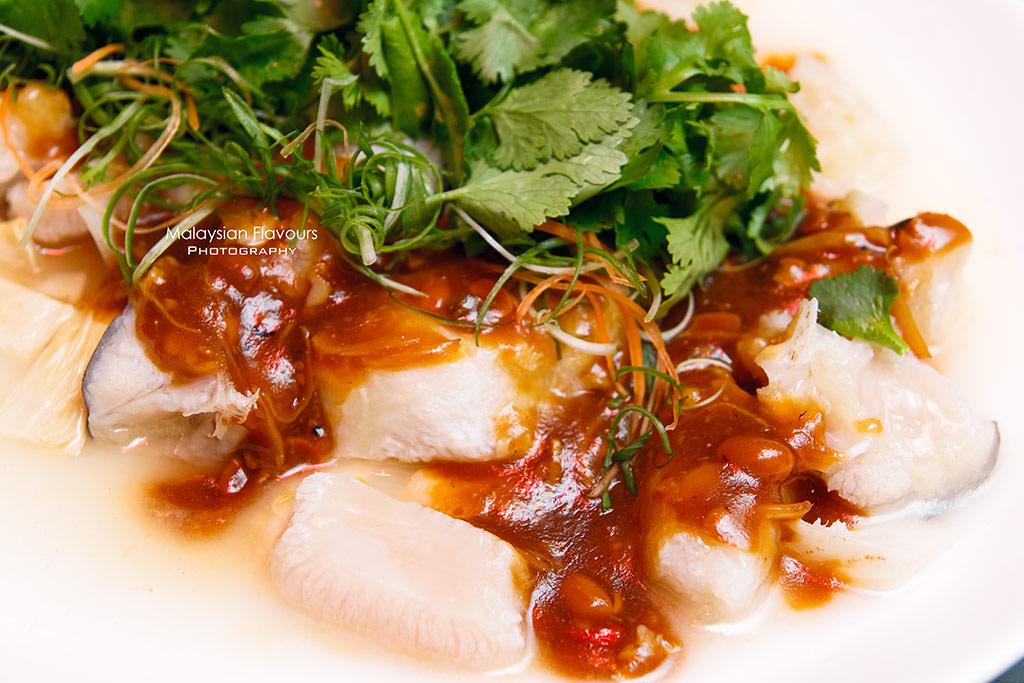 Hilton kuala lumpur hotel chinese new year celebration for Chinese salted fish