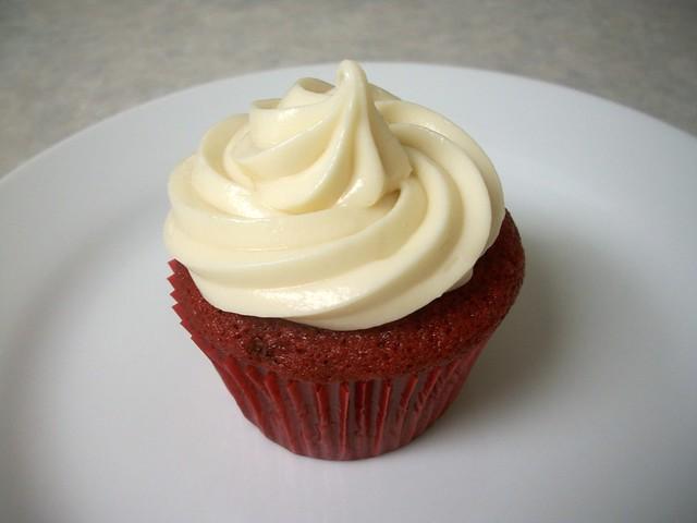 red velvet cupcakes 7