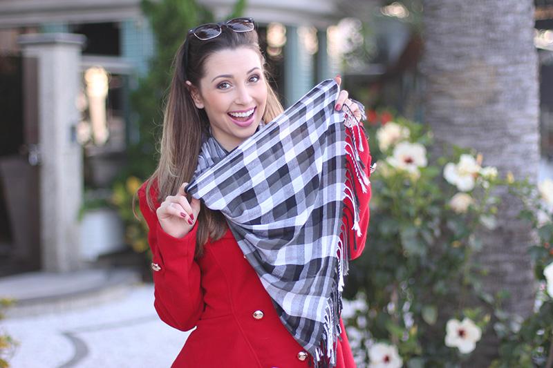 7-look do dia para o frio com casaco vermelho