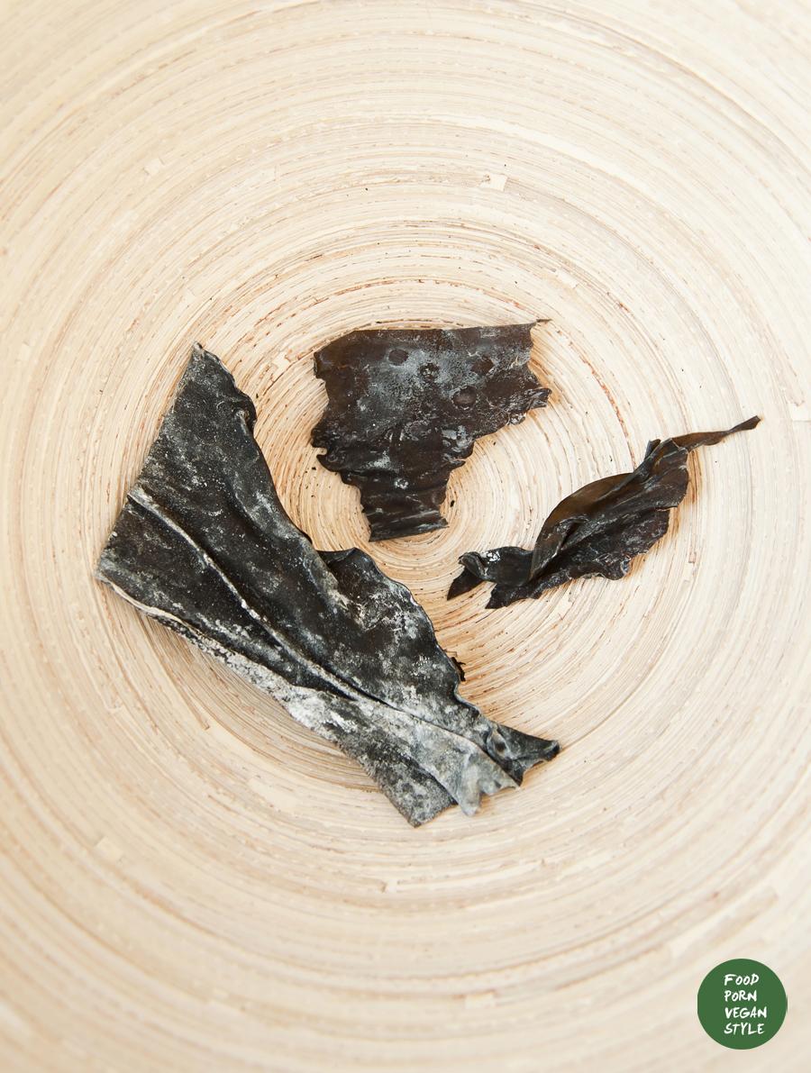 Vegan kombu-shiitake dashi