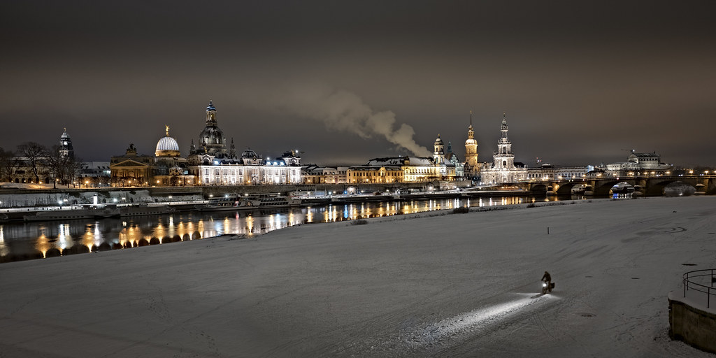 germany skyline dresden at night memories in motion. Black Bedroom Furniture Sets. Home Design Ideas