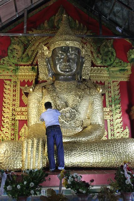 20150215_4766-huge-Buddha_resize