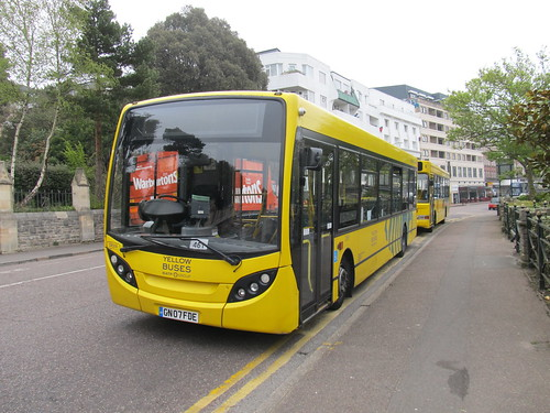 Yellow Buses DE516 GN07FDE