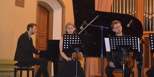 Зі Львова— дощ та мелодії роялю