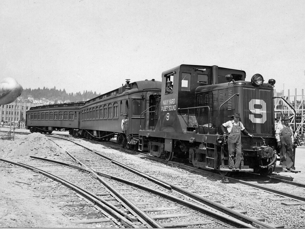 Car Check Up >> Rail cars in Navy Yard during WWII | BREMERTON, Wash. (1940'… | Flickr