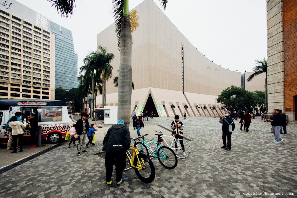 無標題  《假如讓我泊下去2 九龍中西篇》﹣香港市區單車位的幻想影集 18505869369 6dc6098df2 o