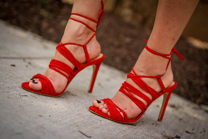 lace up heels. red suede shoes. the mode collective.