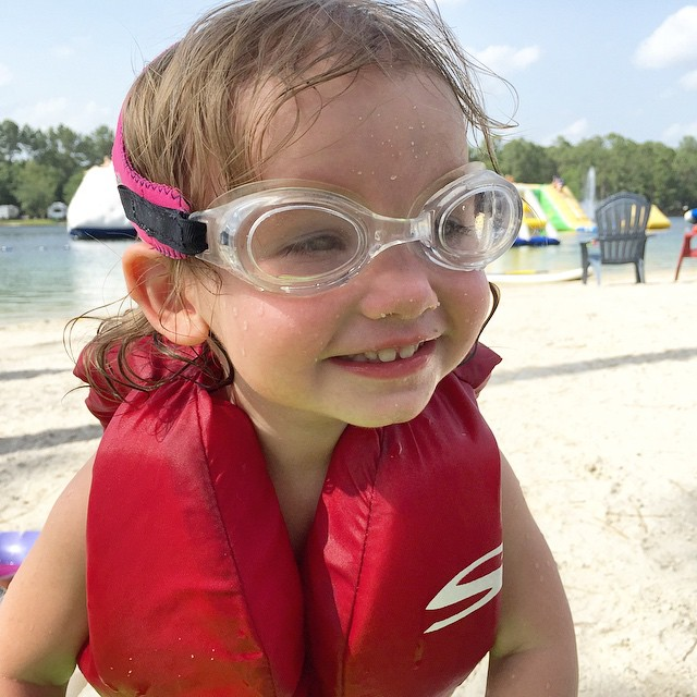 Same lake, different day. :blue_heart: #lakelife #mabrymaeeveryday #mabrymaehutchins #jonahbonahinjax #igersjax #ilovejax #FlamingoLake #frogglezgoggles