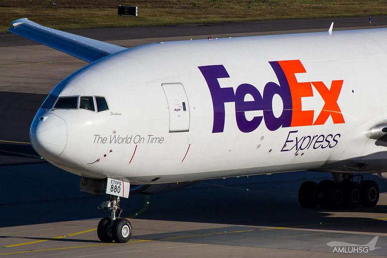 FedEx - B772 - N880FD (2)