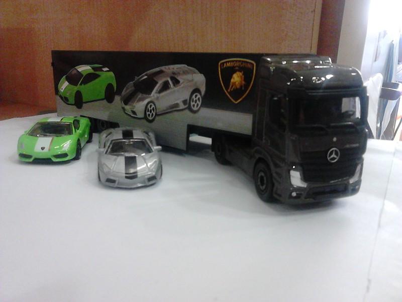N°3A97 Mercedes-Benz Actros Lamborghini.  18993632989_f00c942182_c