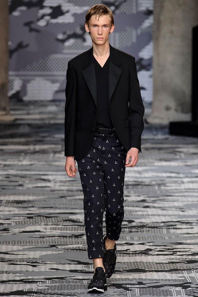 SS16 Milan Neil Barrett032_Truls Martinsson(fashionising.com)