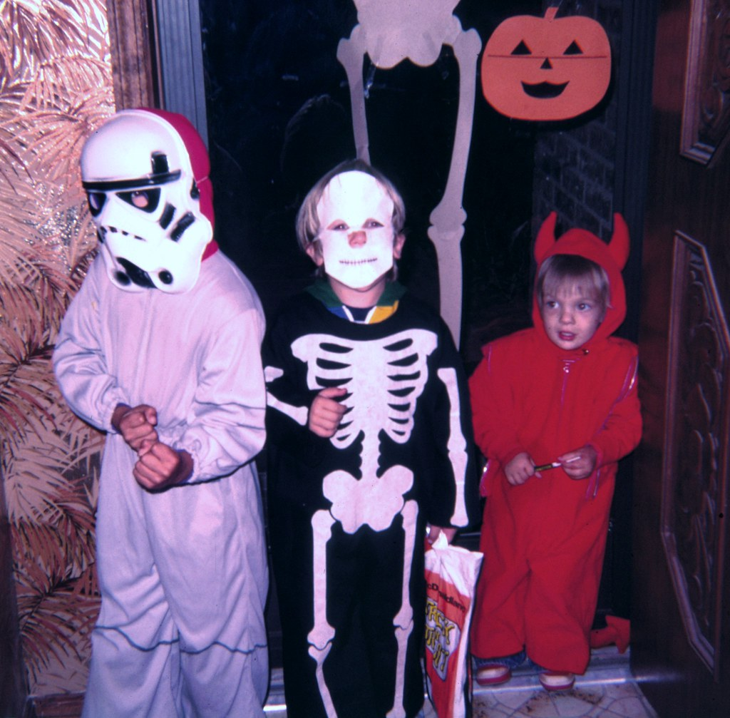 Halloween The Picture 1978 | Halloween 1978 The Second Son To Wear The Skeleton Costume Flickr