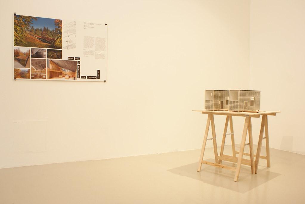 Extrait de l'exposition sur l'architecture tchèque à DOX en 2016.